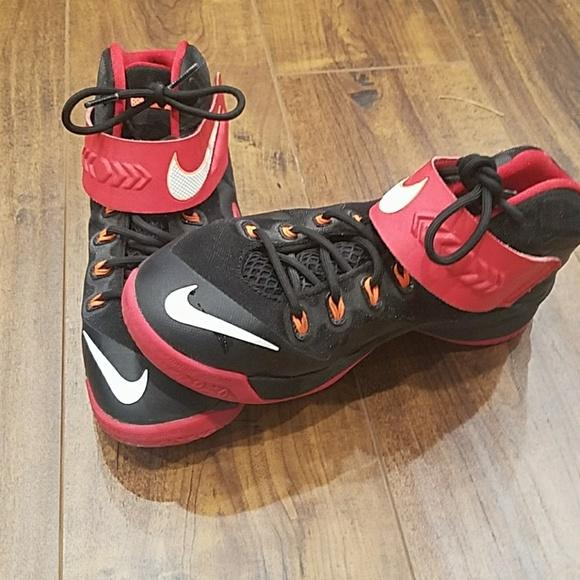 876a82da8d81 🏀Boys Nike LeBron James. M 5a93144a84b5ce3f6498faf9
